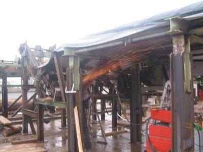 Montagearbeiten am Unterbau für die Rundholzubringung
