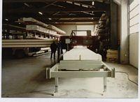 Horizontalbandsäge beim Auftrennen von Leimbinderholz. Leimbinderbreite 120cm